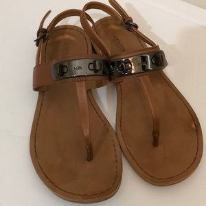 Coach brown leather turn lock sandals size 6